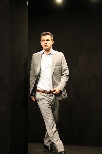 Carlsen strut